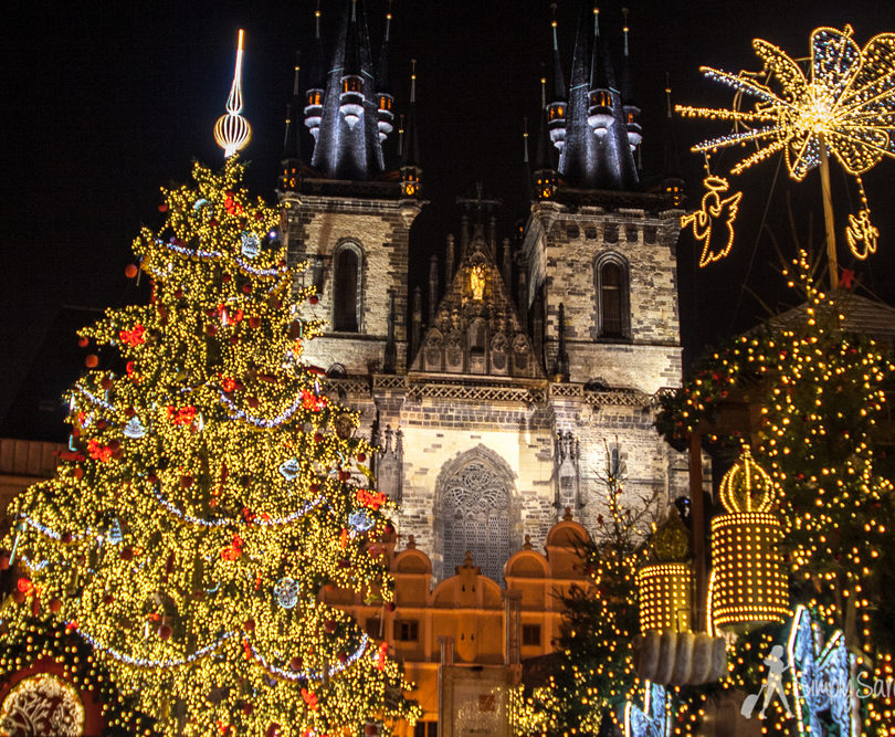 Close up of lights in Prague 810x667 - Christmas Prague