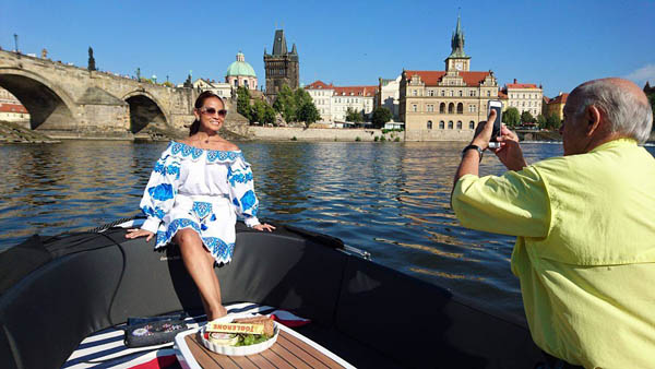 Prague private river cruise photo
